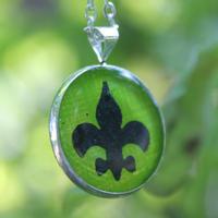 Skaut.náušnice pryskyřice kulaté řetízek zelené